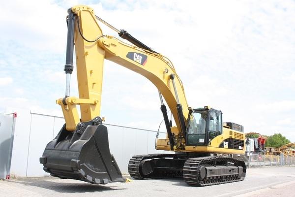 M001-1 Excavator