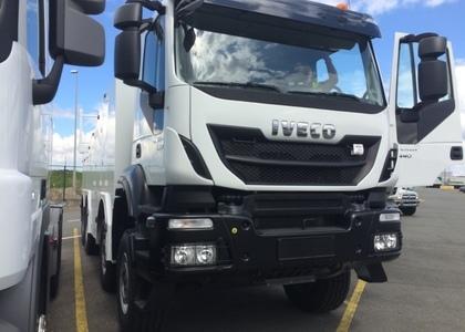 C005 Iveco Trakker 440 Dépanneur