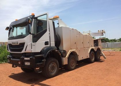 C005 Iveco Trakker 440 Recovery
