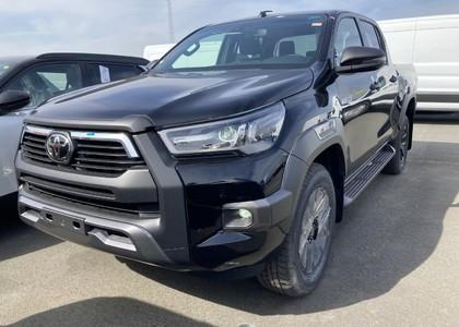 Toyota Hilux 2.8TD D/C Invincible