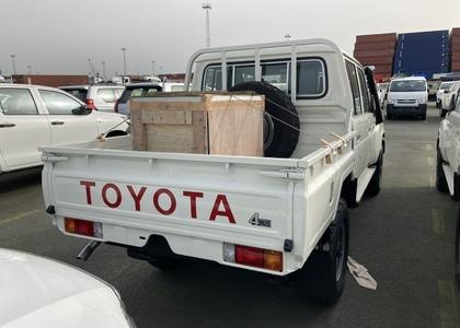 Toyota Land Cruiser HZJ 79 4.2D D/C
