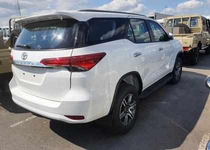 Toyota Fortuner 2.8TD MT Standard