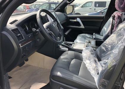 Toyota Land Cruiser 200 4.5TD VX-R Sport