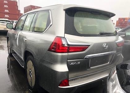 Lexus LX 570 5.7L V8 Platinum