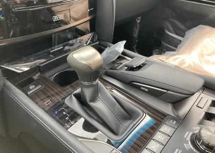 Lexus LX 570 5.7L V8 Sport