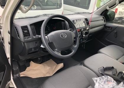 Toyota Hiace 3.0D Minibus