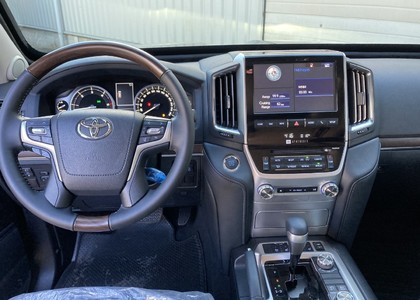 Toyota Land Cruiser 200 4.5TD V8 VX Armored B6